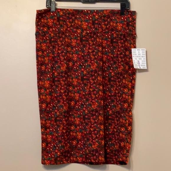Lularoe Cassie Red Floral, Large